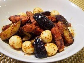 夏バテに厚切りベーコンと茄子のカレー炒め|レシピブログ