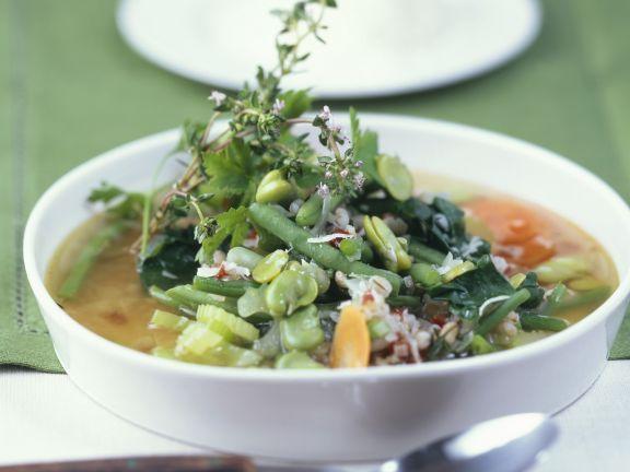Bohnen-Gerste-Suppe mit Thymian ist ein Rezept mit frischen Zutaten aus der Kategorie Eintöpfe. Probieren Sie dieses und weitere Rezepte von EAT SMARTER!