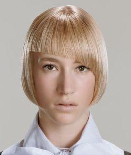 Светлые прямые волосы