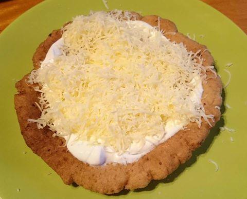 Diétás, paleo, gluténmentes lángos (szénhidrátszegény, kalóriaszegény, tejmentes, élesztőmentes recept)