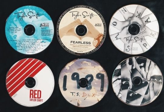 Taylor's 6 albums!  1) Taylor Swift 2) Fearless 3) Speak Now 4) RED 5) 1989 6) Reputation