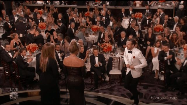 Ryan Reynolds,& Andrew Garfield kissing at the Golden Globes