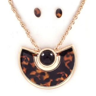 Tortoise Half Moon Necklace at www.capricci.nl