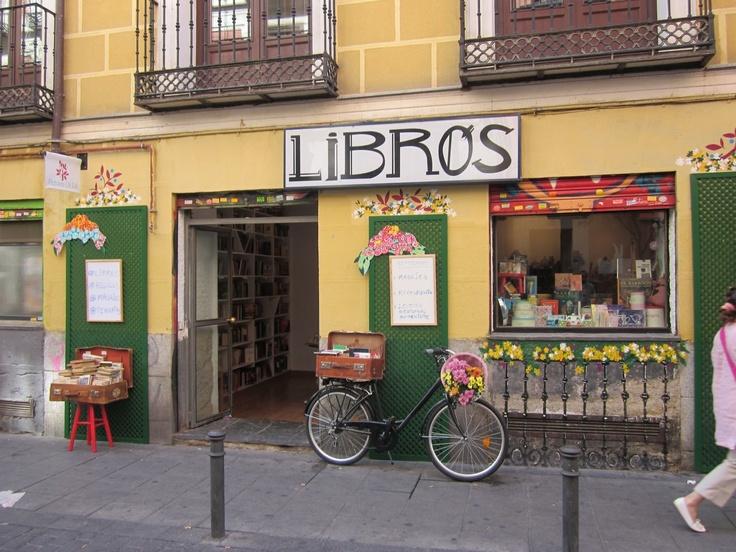 Nuevos escaparates: Librería en Malasaña