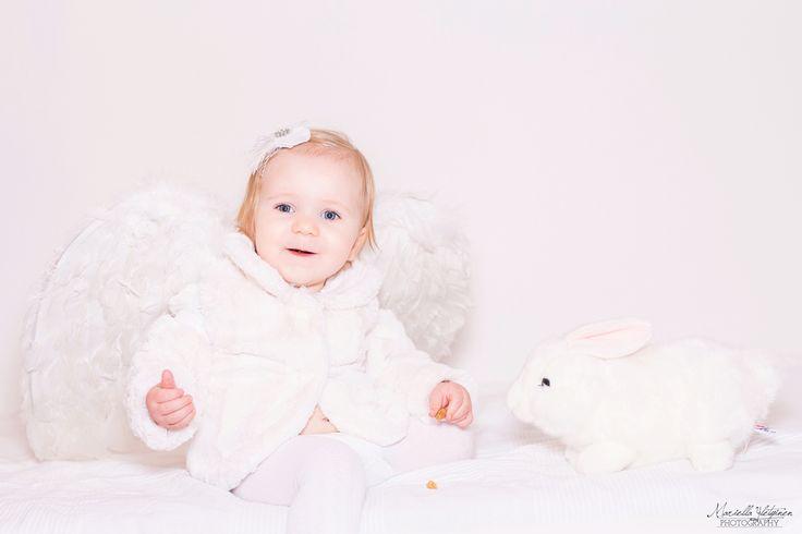 Christmas photography, children, angel, baby | Mariella Yletyinen Photography