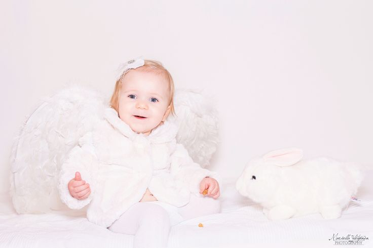 Christmas photography, children, angel, baby | Mariella Yletyinen Photography
