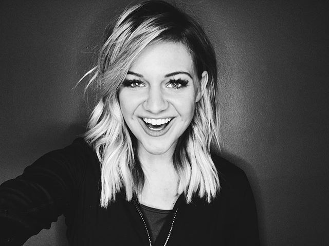 "Kelsea Ballerini's new short hair! ""Change is fun. Thanks to my girl Ali and @thedryhousenashville """