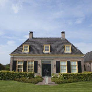 Voortuin bij notariswoning : Rustieke tuinen van Mocking Hoveniers