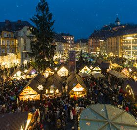 Adventmarkt am Hauptplatz in Graz © Graz Tourismus - Harry Schiffer