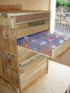 storage drawers from recycled pallets