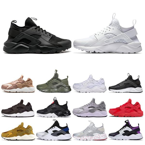 In unserem Geschäft gibt es viele Arten, Farben, Schuhe