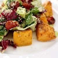 Салат с сулугуни и куминовой тыквой