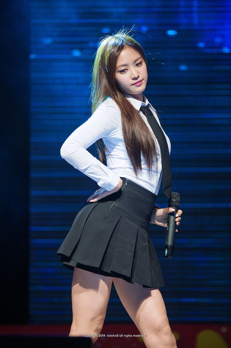 Happy birthday Naeun! :D I hope you have a great birthday!! Apink fighting!