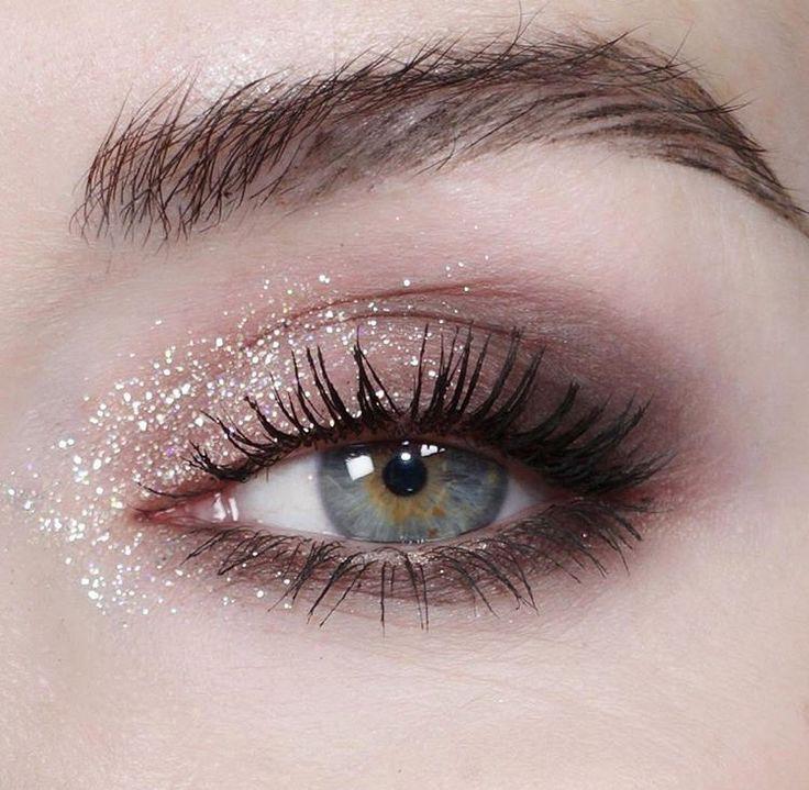 glitter in the inner corner of the eyes really makes them pop