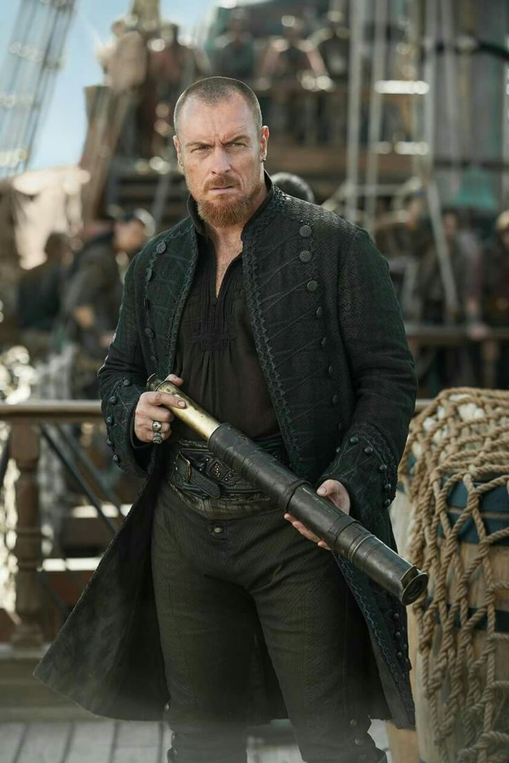 Black sails s3 pirate captain flint leather coat - Black Sails Star Toby Stephens Talks About The Final Season Of The Starz Series Flint S Unexpected Companion And Joining Netflix S Lost In Space Reboot