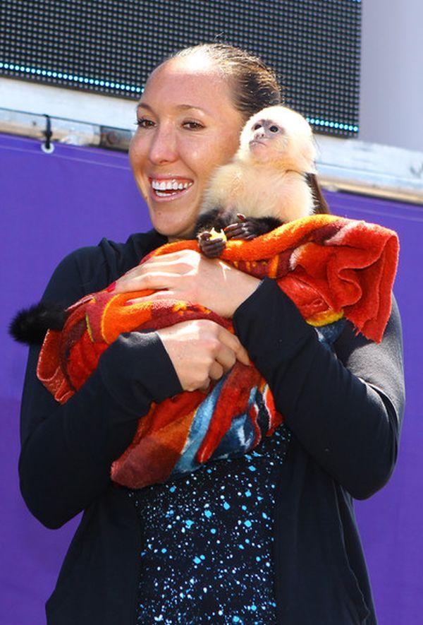 Jelena Jankovic cu o maimuta la Miami