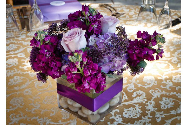 Small purple flower arrangements for wedding table for Small flower decorations for tables