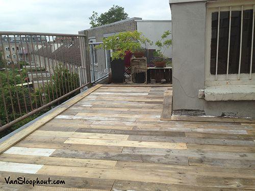 Vloer van sloophout op een dakterras! Geeft een echte robuuste en stoere…