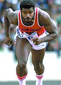 HASELY CRAWFORD Hasely Crawford a gagné la première médaille d'or olympique pour Trinité-et-Tobago en terminant en premier dans la course de 100 mètres.
