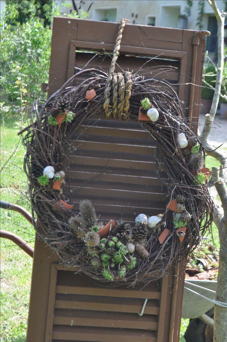 Kranz: Viele Gartendekorationen findet in eurem Italienurlaub im Casa Valrea Ferienhaus am Fluss in Italien