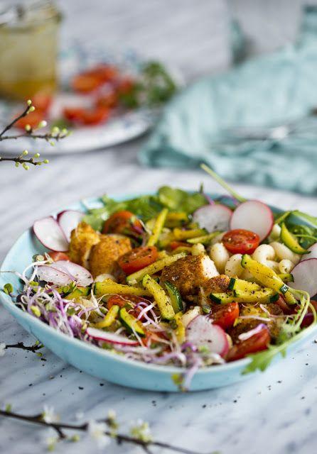 Kuchenne Szaleństwa: Sałatka z kurczakiem curry i makaronem