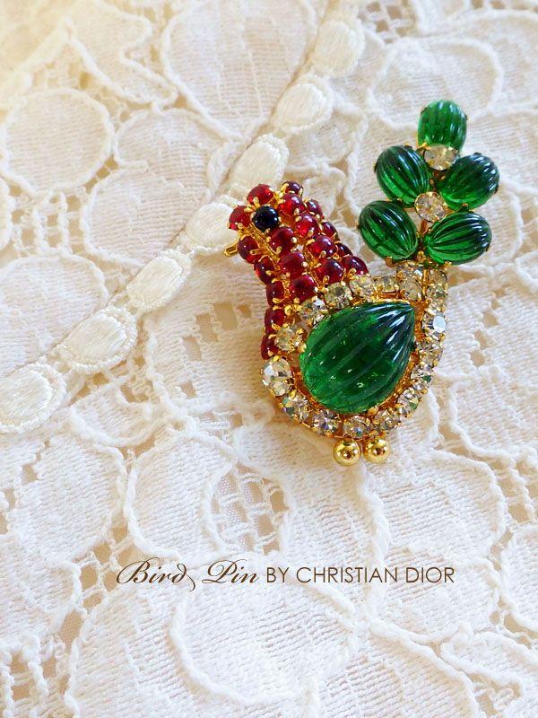 鳥のヴィンテージブローチ Cristian Dior(クリスチャンディオール)