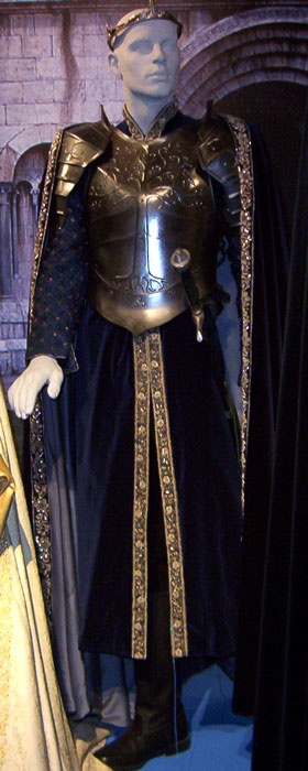 Asgerd's breastplate but lighter silver with blue spots(male form)