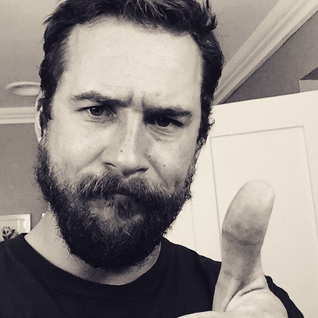 Barry Sloane bearded - Buscar con Google