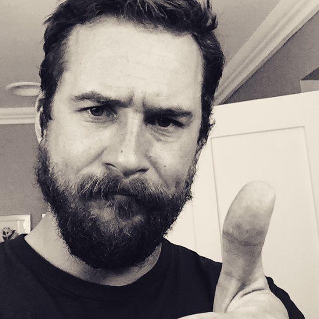 Barry Sloane bearded - Buscar con Google