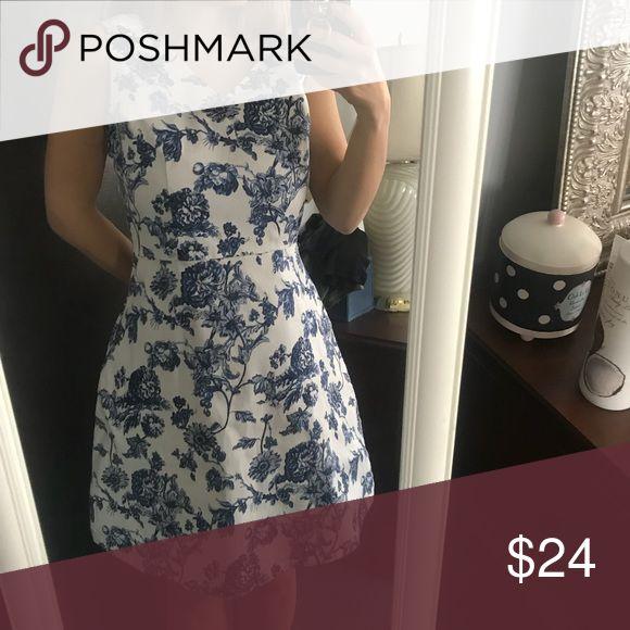 Blue and White porcelain print tea dress Very good cond Charming Charlie Dresses