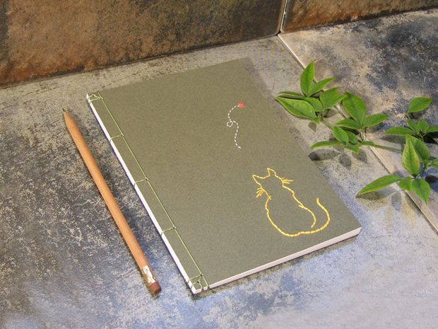 Fabulous Cat Papers, cuadernos bordados a mano.