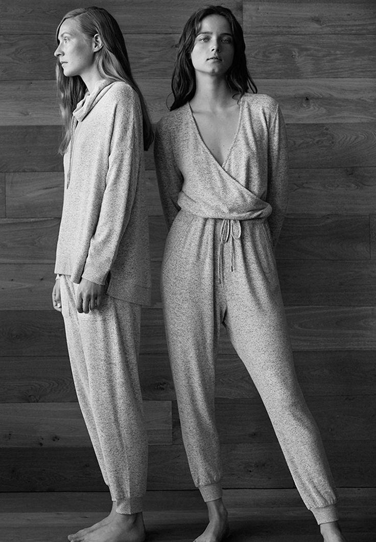 EDITORIAL - Ageless - Tendances Automne Hiver 2017 en mode femme chez OYSHO online : lingerie, vêtements de sport, pyjamas, bain, maillots de bain, bodies, robe de chambre, accessoires et chaussures.