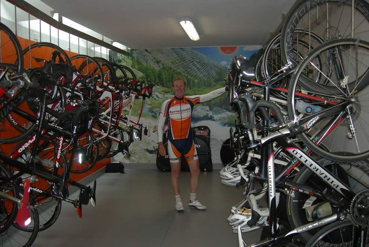 Servizi dedicati ai ciclisti: deposito coperto per le biciclette e angolo officina per le riparazioni