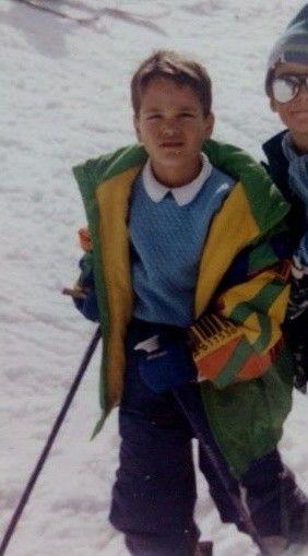 Niño aragones esquiando en valdesqui