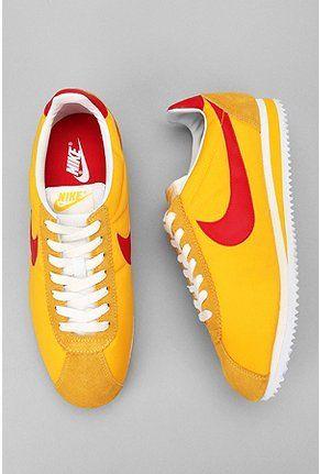 ooooo...Nike Classic Cortez Sneaker