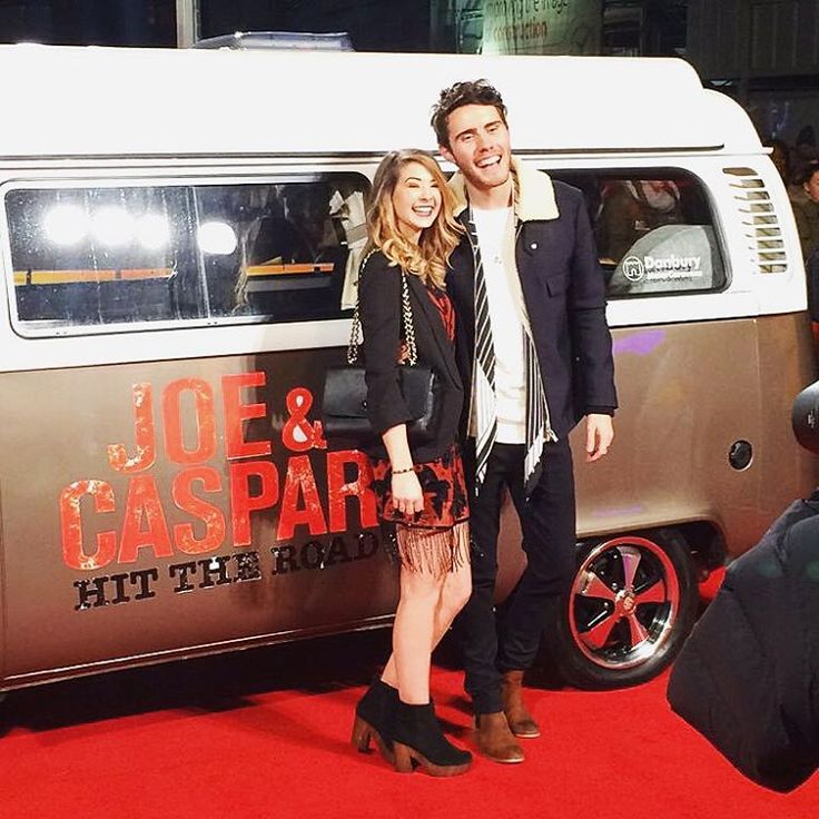 The two stepped out on the red carpet together for the premiere of the new film Hit The Road. It's nice to see two of our favorite YouTubers together. Aren't they just the cutest? Relationship goals for sure! To follow Zoe: Twitter: @zozeebo Instagram: @zozeebo To follow Alfie: Twitter: @PointlessBlog Instagram: @pointlessblog Photos: Zoella/Instagram; Alfie/Instagram