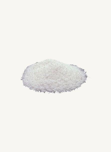 Sous forme poudreuse, le Benzoate de Sodium , aussi dénommé benzoate de soude, est un conservateur synthétique qui permet de limiter le développement des micro-organismes de vos peintures, enduits à base d'eau ou de produits organiques (colle, Caséine, détrempes, œuf…) et autres préparations.