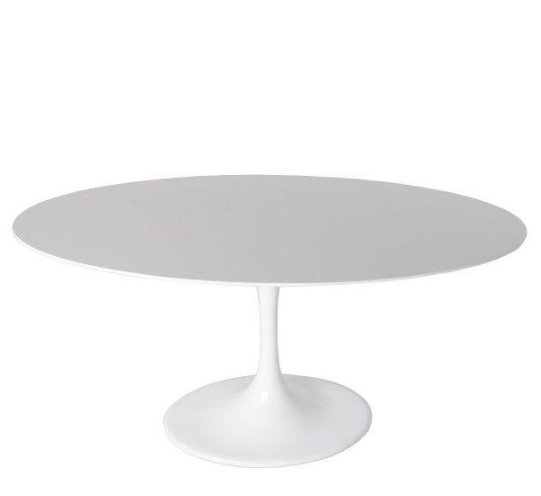 Saarinen è un tavolo del designer da cui prende il nome, Eero Saarinenper Knoll, piano ovale in laminato bianco e base in alluminio verniciato bianco. Saarinen fin dagli anni '50 dimostra di essere un tavolo senza tempo.Linee essenziali, quasi a ricordare forme organiche. Il tavolo Saarinen ha undesign che si adatta a tutti gli spazi del vivere contemporaneo con stile ed eleganza. E proprio perché è divenuto un cult del design lo potrete accostare ai vostri arredi con disinvoltura…