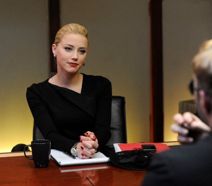 amber heard in the movie SYRUP LOVE HER STYLE AS A BUSINESS WOMAN ♥♥