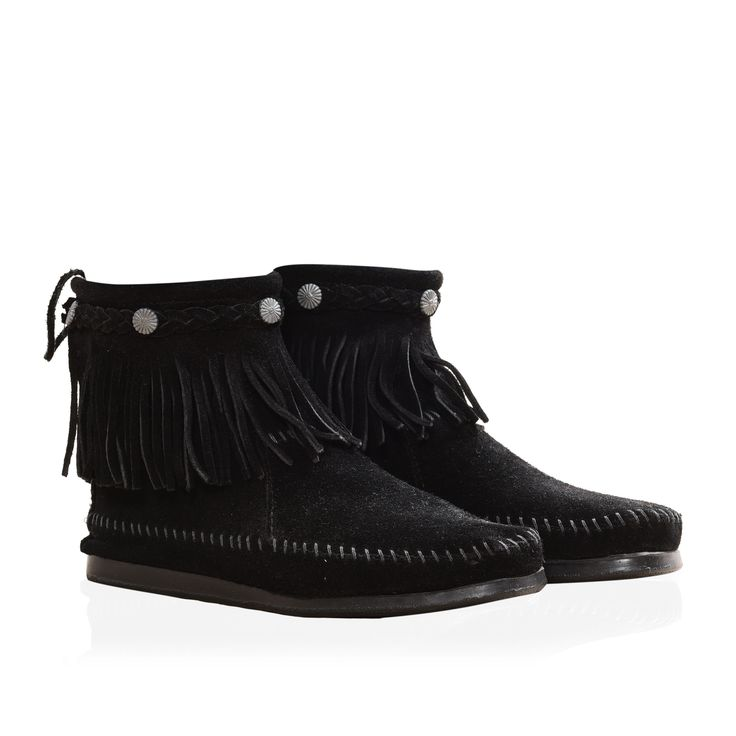 Brand New Minnetonka Suede Boots. 200 Euro.