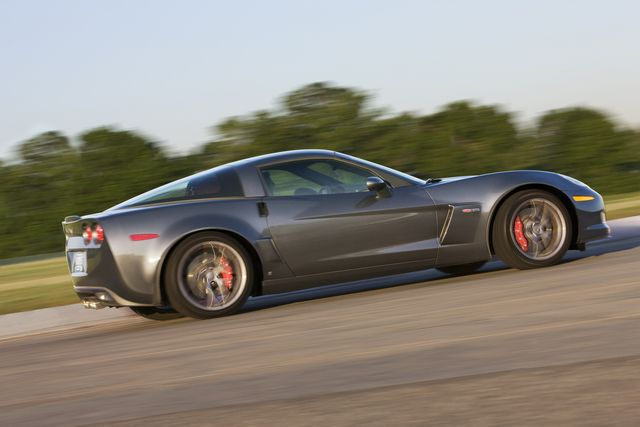 Technical Specs and Features in the 2012 Corvette Z06: 2012 Corvette Z06 Features