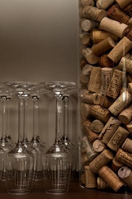Onze wijnen worden geleverd door Bacchantes en zijn uitsluitend afkomstig uit het zuidelijke deel van Frankrijk. Alle wijnen worden ook per glas geserveerd om bij elk gerechtje een passende wijn/spijs combinatie te kunnnen maken.