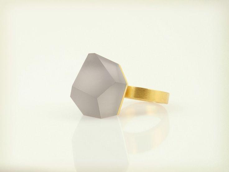 Vu – złoty pierścionek, szary popielaty -=PYO=- w Fruit Bijoux na DaWanda.com