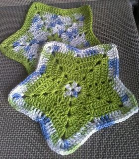Ravelry: Little Star Dish Cloth or Wash Cloth pattern by Elizabeth Ann White