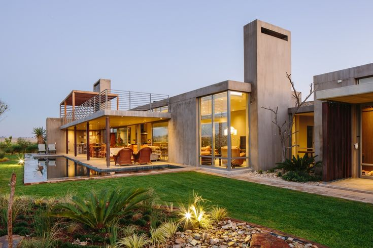 Spine Wall House / Drew Architects - South Africa
