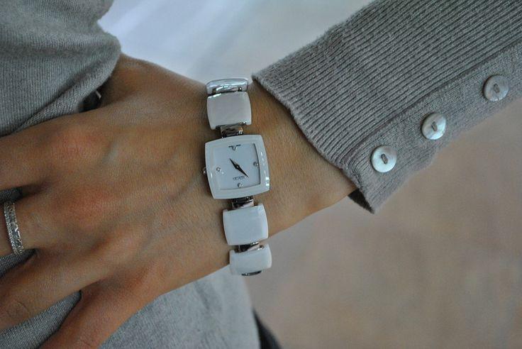 Обзор новинок. Часы Roamer Ceramic Square