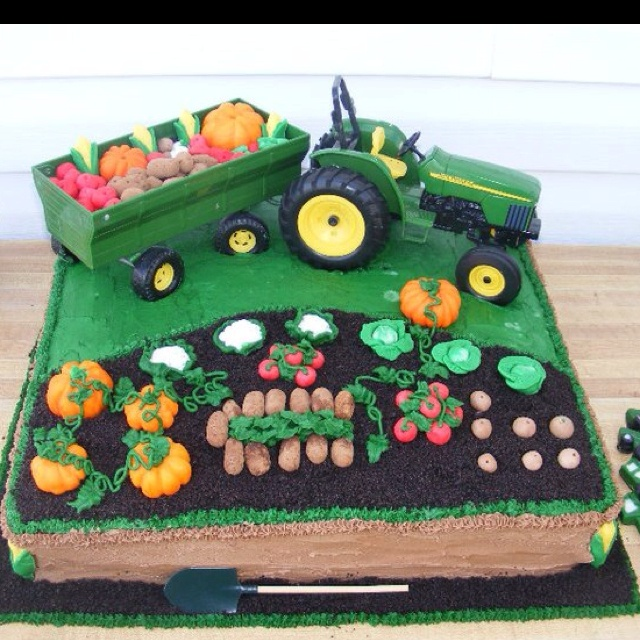 John Deere birthday cake....Oh this is so cute, but he wants cupcakes!