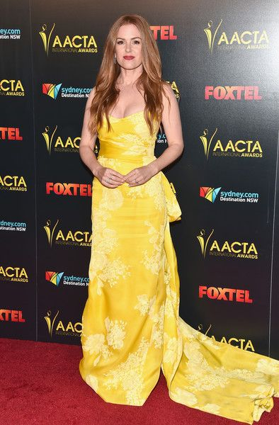 Isla Fisher Photos Photos - Actress Isla Fisher attends the 6th AACTA International Awards  at Avalon Hollywood on January 6, 2017 in Los Angeles, California. - 6th AACTA International Awards - Arrivals
