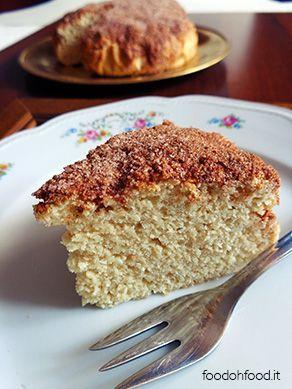 Torta povera alla ricotta. Una semplice e genuina morbida torta con pochissimi ingredienti. Senza uova e senza burro.
