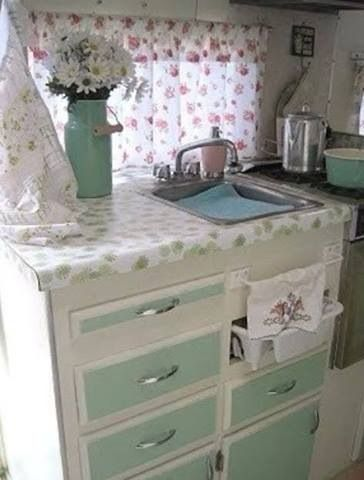 Vintage camper interior❤